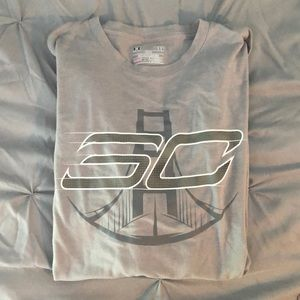 Large Under Armour Athletic Tee Shirt with SC logo